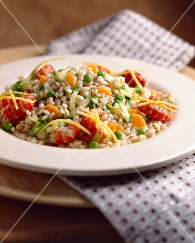 Pearl barley with crayfish