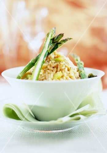 Risotto with lobster bisque and asparagus