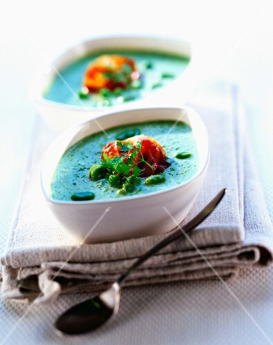 Creamed peas and beans with smoked bacon
