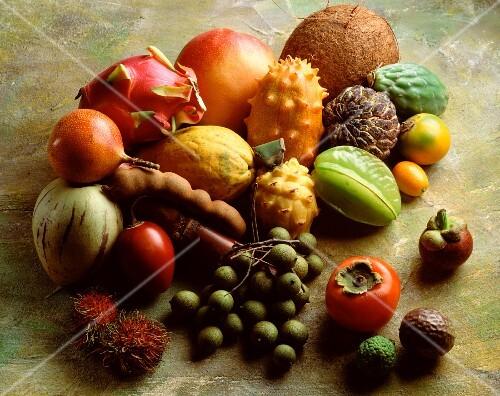 Stillleben mit exotischem Obst