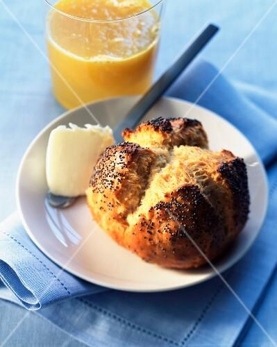 Poppyseed roll and orange juice