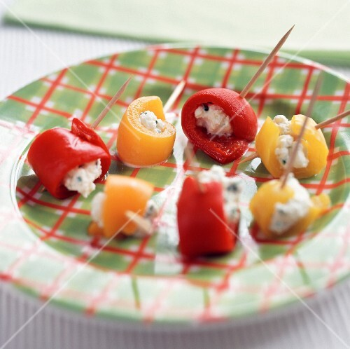 Peppers stuffed with goat's cheese