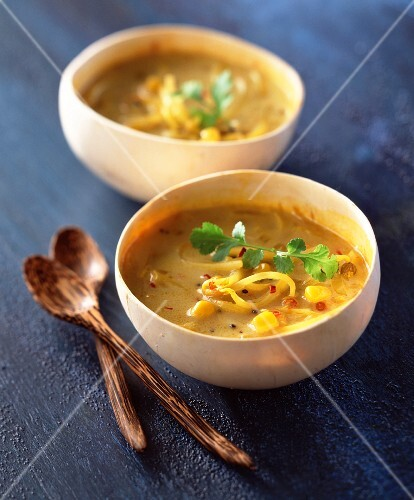 Vegetable soup with rice and curry