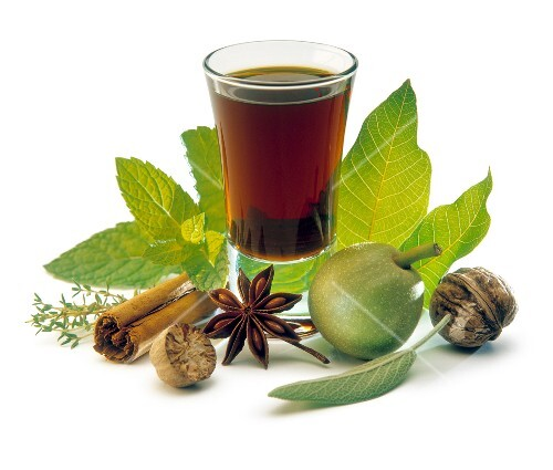 Herb and spice liqueur