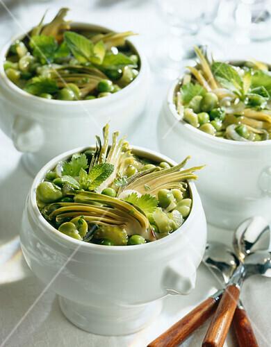 Broad bean and artichoke soup