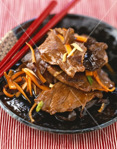 Slivers of beef with carrots