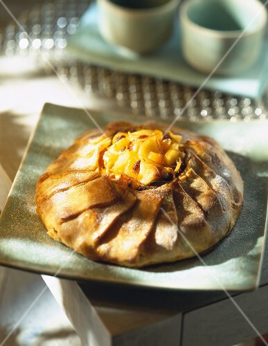 Caramelized pear in pastry