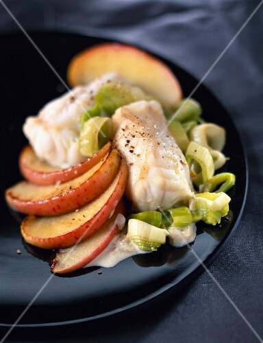 Conger ell with simmered leeks and apples