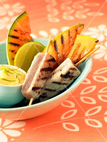 grilled tuna and melon skewers