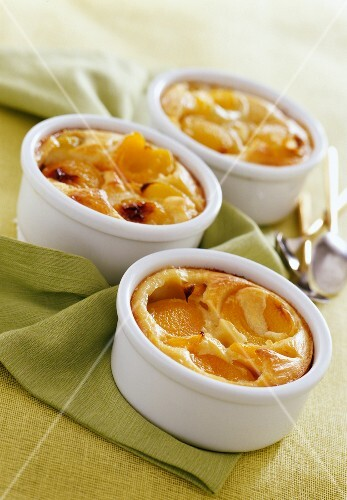 Apricot clafoutis ( topic :family meal)