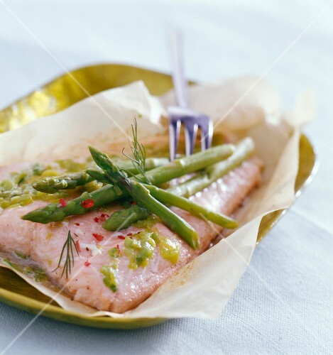 salmon and asparagus en papillote (topic: family meals)