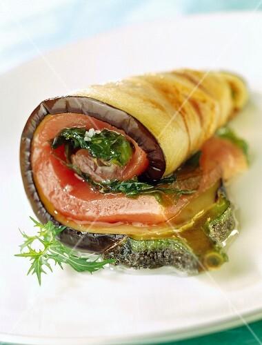 Eggplant, tuna and sea lettuce roll