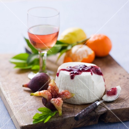 Brocciu cheese with blueberry jam