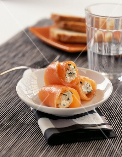 Smoked salmon and fromage frais rolls