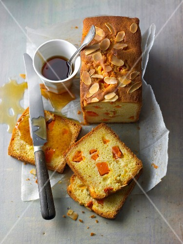 Pumpkin with almond cake