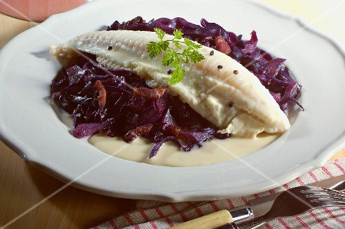 Lemon sole fillet with red cabbage