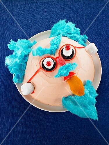 A funny 'mad professor' cake