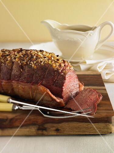 Roast beef with garlic