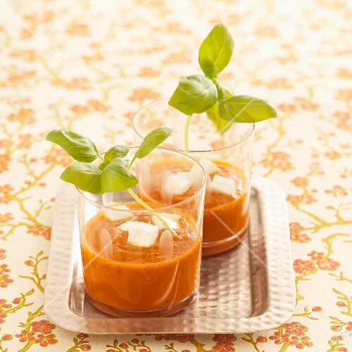Quick gazpacho with goat's cream cheese