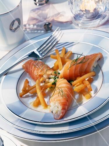 Smoked salmon rolls with scallop tatar