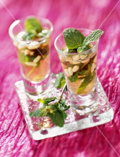 Mint tea with pine nuts