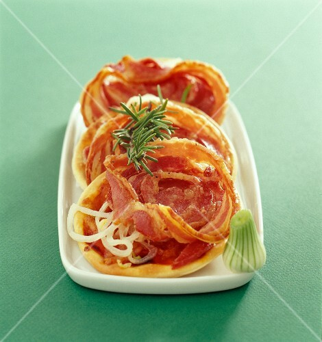 Pancetta pizzas