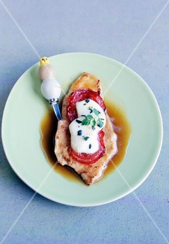 Chicken escalope with tomato and mozzarella