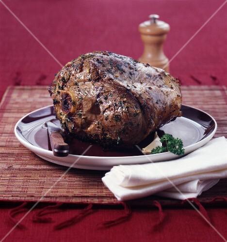 Leg of lamb à la girondine