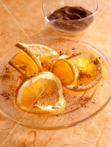 Salad with dried oranges and pepper