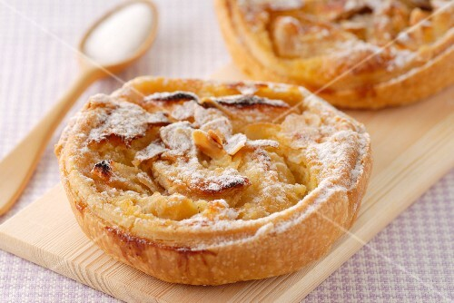 Normandy apple tarts