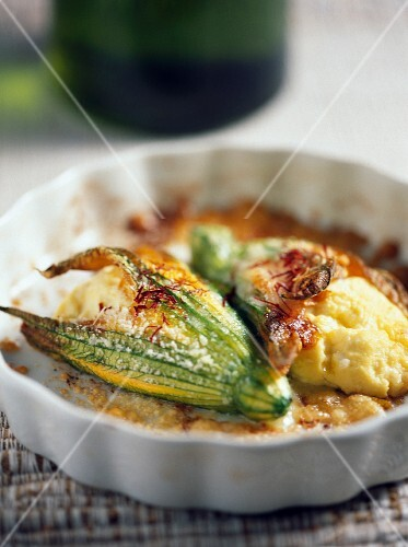 Courgette stuffed with ricotta and saffron