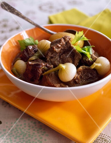 Braised beef with spring onions