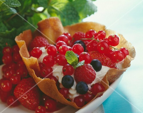 Summer berries in a crispy casing