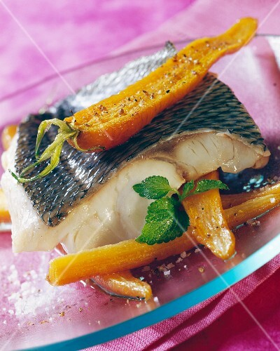 Seabream fillet with confit carrots
