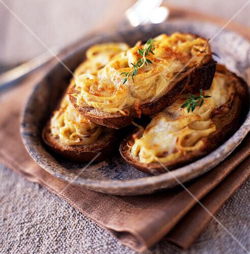 Onions on toast