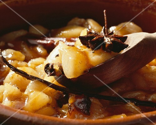 Pear compote with spices