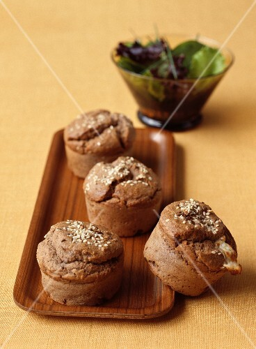 Mushrooms and chestnut mushrooms with sheep's cheese