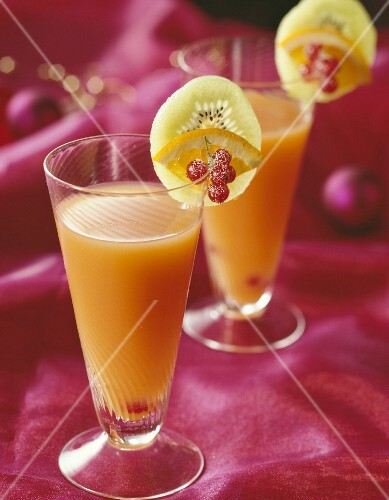 Alcohol-free cocktails with exotic fruits