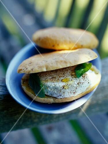 Goat's cream cheese sandwiches