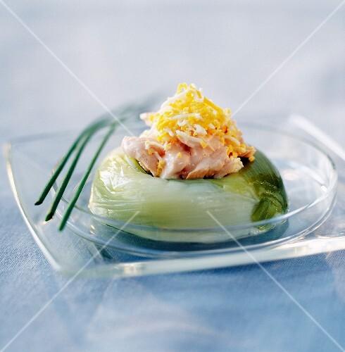 Leek and salmon crown dish