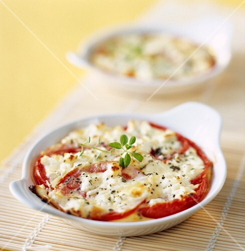 Tomato and goat's cheese flan
