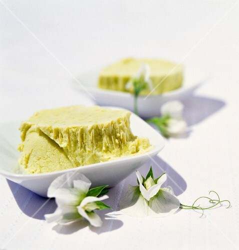Pea ice cream with almond syrup