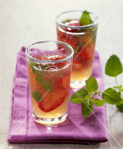Lemon balm jelly with strawberries