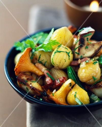 Mushroom,chestnut and bacon stir-fry