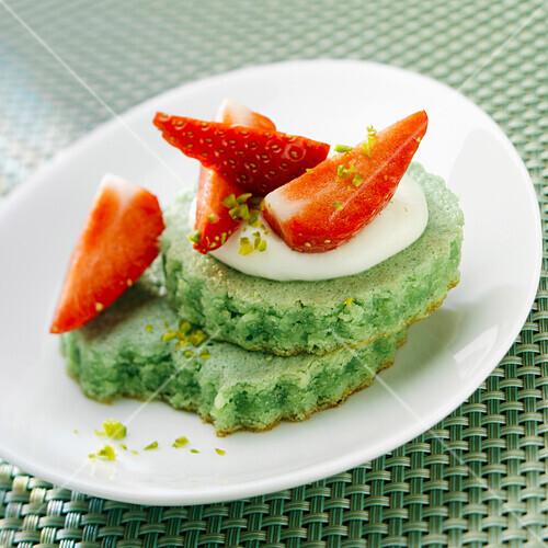 Crisp pistachio cookie with strawberries and cream