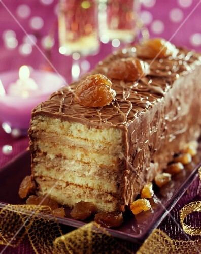 Mascarpone and chestnut cream log cake