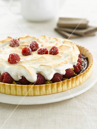Chocolate and raspberry meringue tart