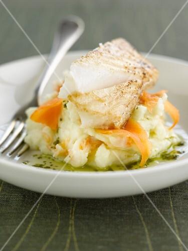 Salt-cod with mashed potatoes and smoked salmon