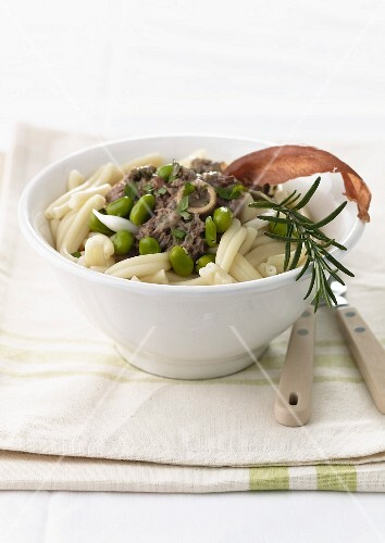 Pasta with lamb and broad beans