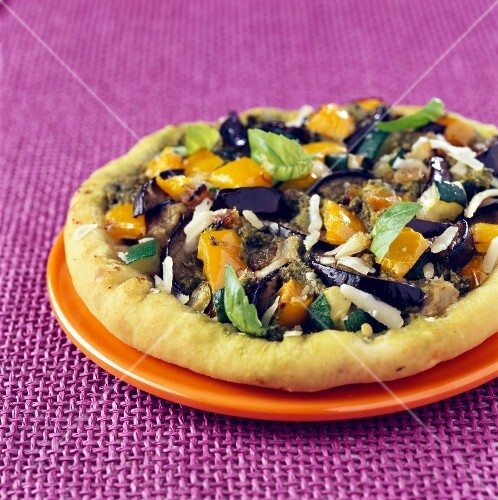Grilled vegetable and pesto pizza
